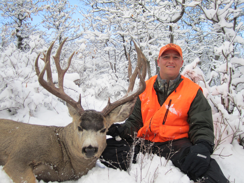 Kody Smith with his Colorado mule deer buck